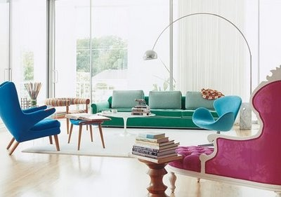 The Arco Lamp looks right at home amongst all this classic mid-century modern designs.