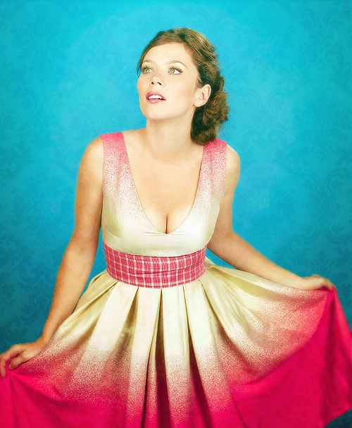 """Chuck from """"Pushing Daisies."""" Pink & White Ombre Dress."""