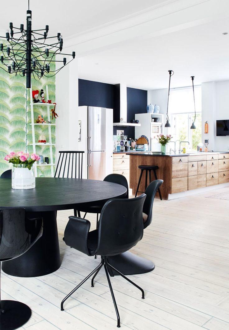 Primum Chair in black leather #BentHansen #spisestue #diningroom #spisestuestol #diningchair