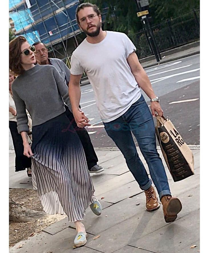"""7,345 Likes, 46 Comments - Kit Harington (@kitharingtonoff) on Instagram: """"New picture of Kit and girlfriend Rose Leslie in London yesterday!"""""""