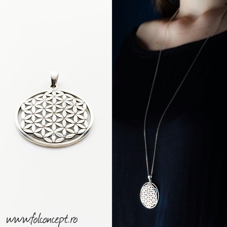 Pandantiv Floarea Vietii, creatie handmade din Argint 925 premium. Diametru: 3,5 cm. Pret: 120 lei. http://folconcept.ro/magazin/pandantiv-floarea-vietii-model-3d-mare/  Floarea Vieții este un simbol de geometrie sacră cu o forță magică și cu o încărcătură energetică deosebită, care întăreşte câmpul auric şi ne protejează de energiile negative şi stres, îmbunătăţind fluxul energiei în corp şi prevenind îmbolnăvirea.