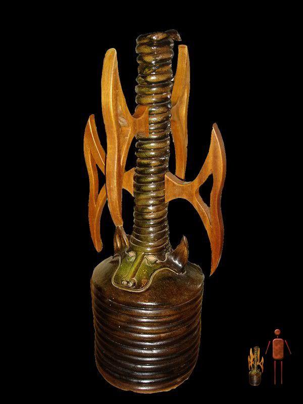Arquétipo    92 cm de altura  escultura em cerâmica / sculpture in ceramics