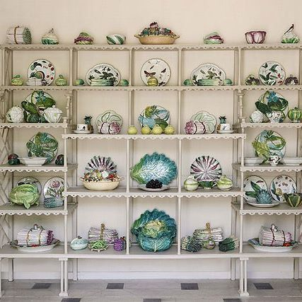 A sampling of Bunny Mellon's 18th and 19th century #porcelain vegetable, fruit, and botanical #servingware via @sothebys  Just stunning!