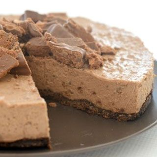 Looking for the perfect dessert? This Tim Tam and Baileys Cheesecake is for you! I've made a few decadent desserts in my time, but this Tim Tam Baileys Chee