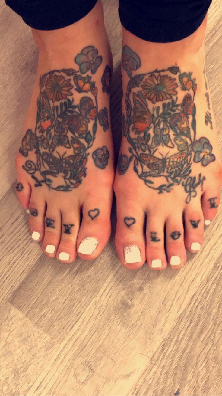 Gel polish pedi tattoo feet skulls obey love foot