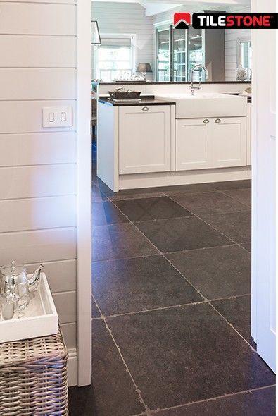 20 beste idee n over blauwe tegels op pinterest groene badkamertegels blauwe badkamertegels - Badkamer imitatie vloertegels ...