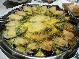 Baked mussels recipe with cheese and garlic sauce – the recipe of yummy appetizer, which cooked with a simple combination of mussels, cheese and sauce.