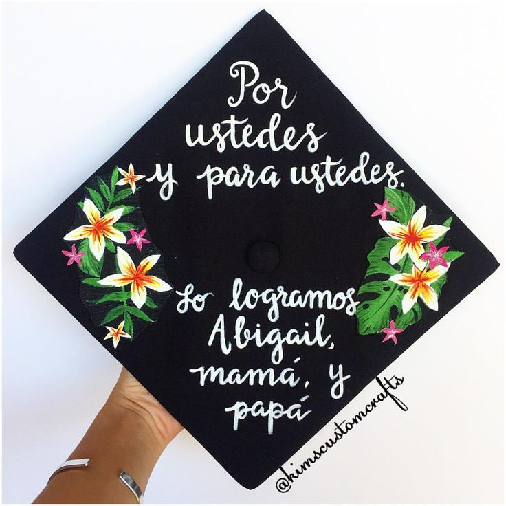"196 Likes, 5 Comments - Kim's Custom Crafts (@kimscustomcrafts) on Instagram: ""I'm so honored that my very own grad cap from last year inspired this design✨ . . #gradcap…"""