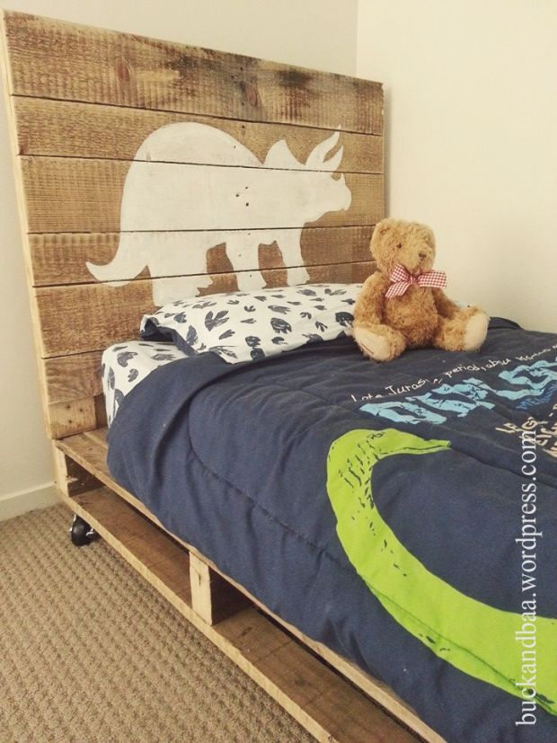 Handmade pallet bedhead for a dinosaur loving youngster! www.buckandbaa.worpress.com