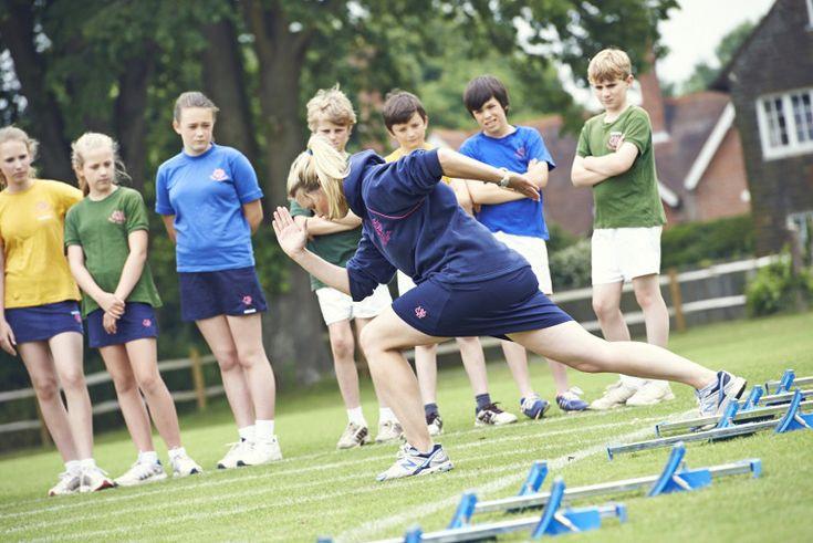 Movilidad flexible con la falda pantalón de Uniformes Escolares Camacho
