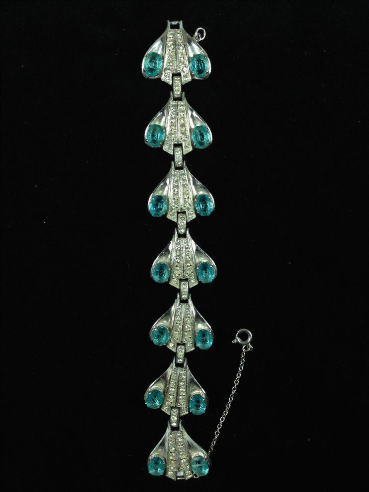 Vintage Armschmuck - Fliegt nicht durch die Galaxie, aber um's Handgelenk. | Vintage Costume Jewelry | Vintage Modeschmuck | https://pompadours.de