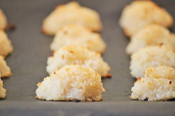 paleo macaroons paleo macaroons coconut macaroons paleo cookies paleo ...