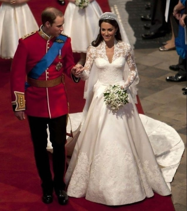 Kate princess wedding dresses people i love pinterest for Wedding dress princess kate