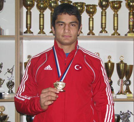 Taha Akgül - Güreş (Dünya Şampiyonu)