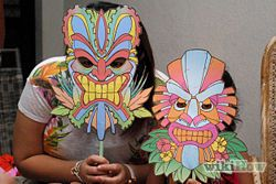 Plan a Hawaiian Luau Birthday Party for Kids