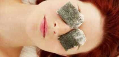 TIRED EYES REMEDY -  This does work. Soak green tea bags in water for one minute, and place them in your freezer for 20 minutes to cool them. Close your eyes, lay the cool tea bags atop them and lay back for 15 minutes. The green tea can help rejuvenate eyes while the coolness will alleviate any swelling.