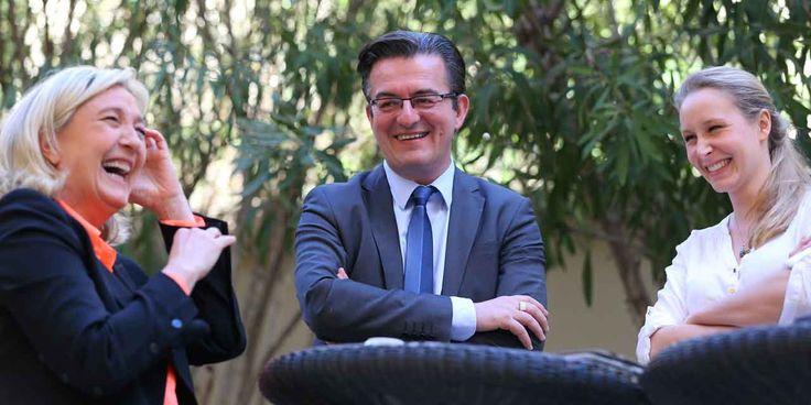 France. Philippe Lottiaux, candidat FN défait à Avignon, arrive à Fréjus; Marine Le Pen à gauche, sa nièce à droite ... .