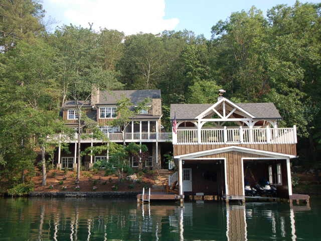I would love to have a lake house on lake burton in Lake house builders
