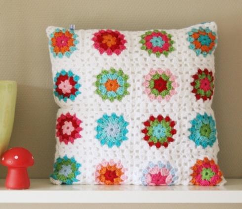 crochet pillows- pretty colors