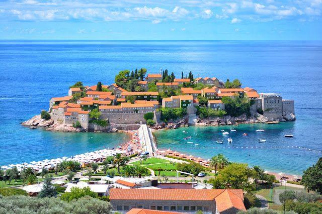 Самые красивые места Черногории вид на Свети Стефан. Montenegro by  by travel blogger Ninelly.com