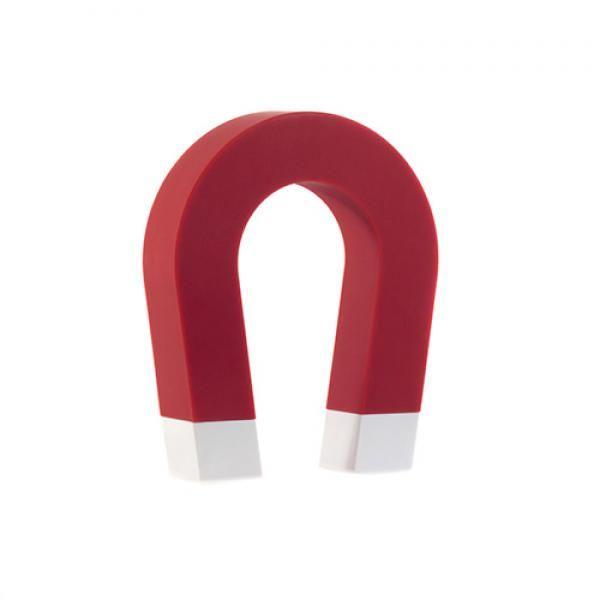 Soporte Llavero Magnético Herradura.Si eres de los que siempre estas buscando las llaves, este gadget te viene como anillo al dedo. Con este soporte magnético con forma de herradura, si lo fijas en la pared de la entrada de casa, simplemente tendrás que tomar la costumbre de dejar siempre tus llaves ahí. Quedarán pegadas a la herradura gracias al efecto del imán.Características:Soporte Magnético con forma de herraduraTamaño: 13 x 10.5 x 2.5 cm.Material: plásticoColores: Surtidos de forma…