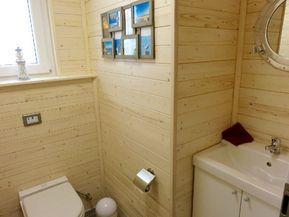 Komfort-Hausboot auf der Ostsee-Insel Fehmarn, festliegend