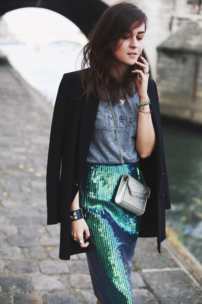 I'M WEARING >> Skirt: H&M (old) | Shoes: Jimmy Choo | T-Shirt: Marc by Marc Jacobs | Bracelet:...
