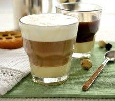 Kawa ze słodzonym mlekiem zagęszczonym