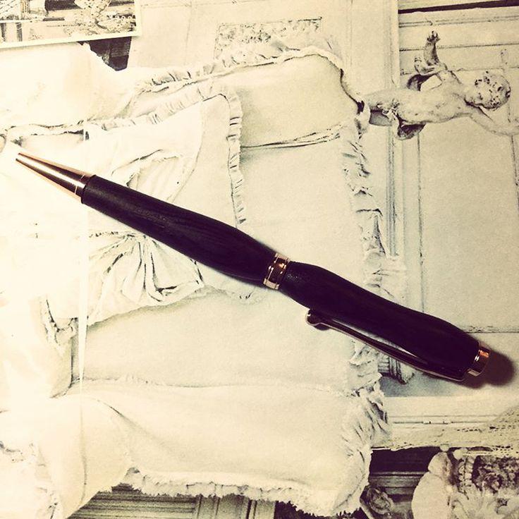 Les 25 meilleures id es de la cat gorie stylo bille sur pinterest dessin de stylo bille stylo - Enlever tache stylo bille ...