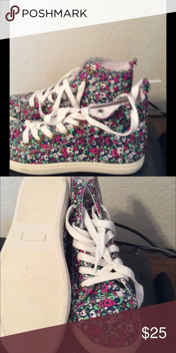 Twiggy floral sneakers lace up NWOB Never worn, due to my disability hard for me to wear lace up shoes. No longer have the box. True to size twiggy/hsn Shoes Sneakers