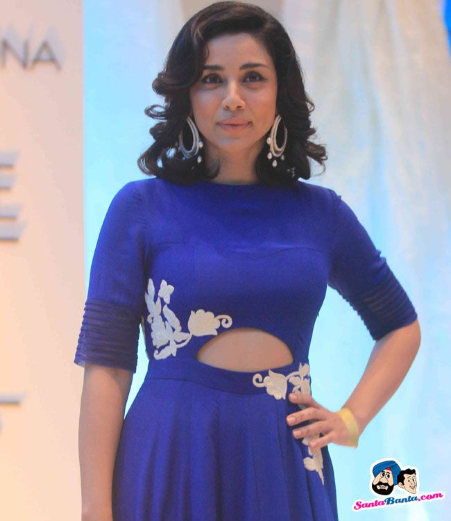 Anamika Khanna Show at LFW 2015 -- Amrita Puri Picture # 301129