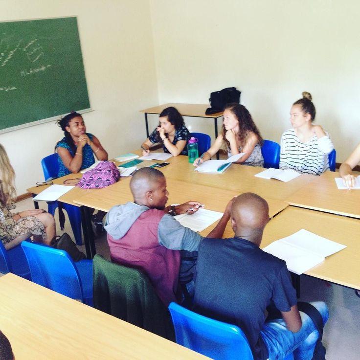 Katori Hall runs a wrkshp @ the University of Western Cape #IWPtoSA #IAtoSA @usconscapetown