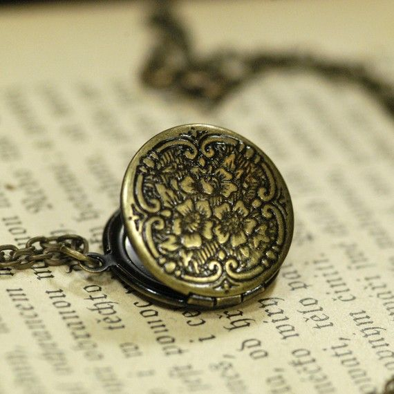 Love this antique locket.,, love antique jewelry ,, detailed and elegant,, not everyone is the same