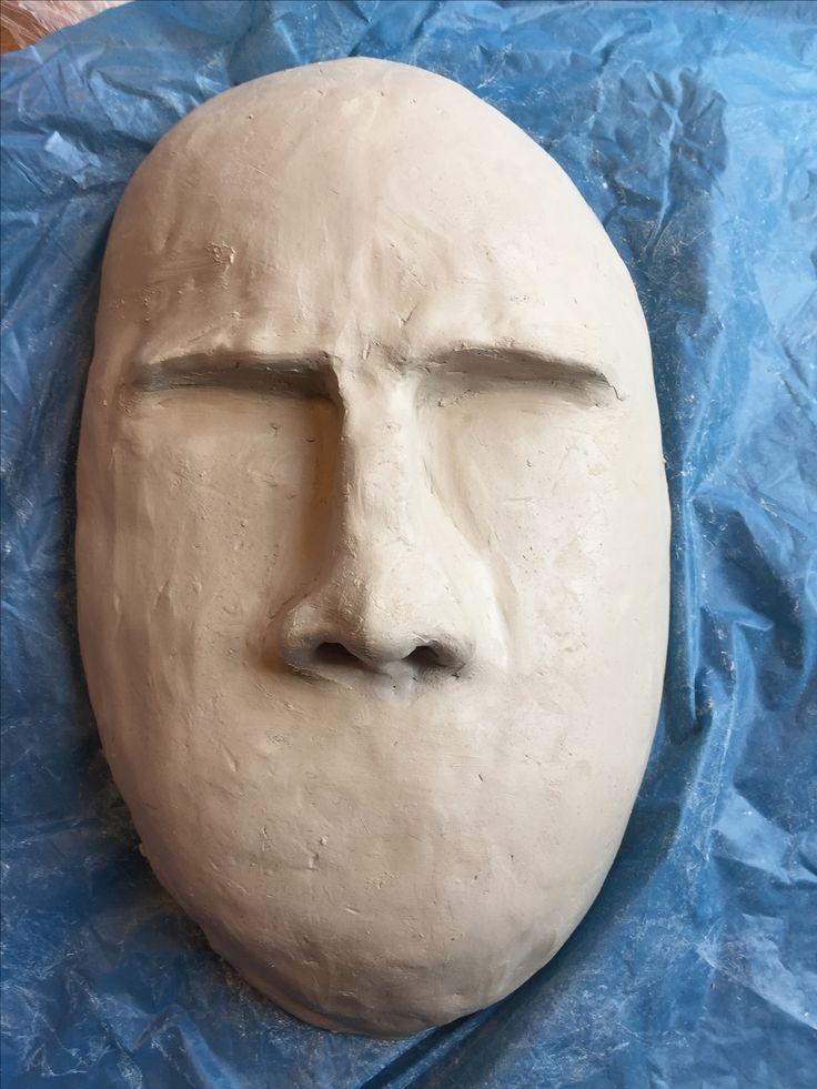 In dag 3 heb ik de neus en een gedeelte van de ogen gemaakt. Hierbij gebruikte ik het plaatje van een bang gezicht.