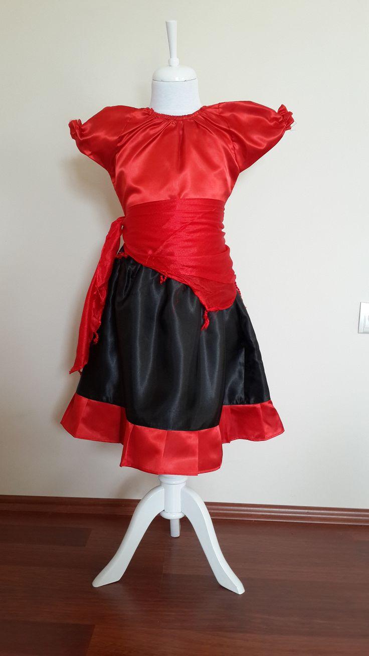 Kırmızı Siyah Dans Kostümü
