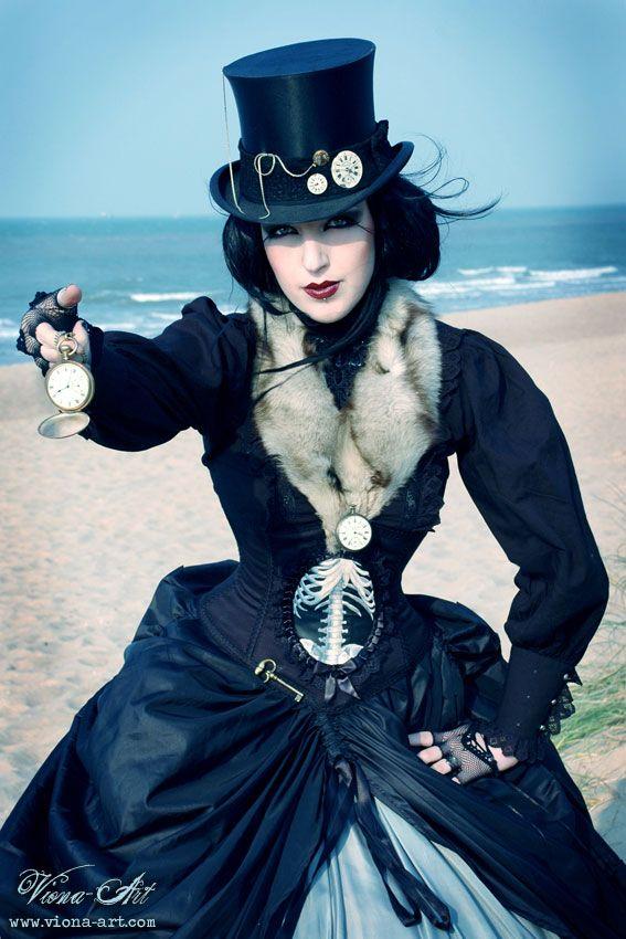 Steampunk. Neo Victorian.   My next costume!