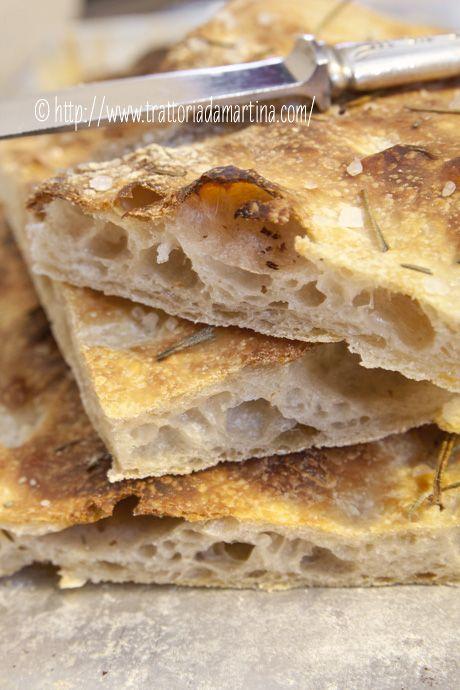 Focaccia al rosmarino a lievitazione naturale con Kamut ed Enkir - #pizza #recipe #focaccia