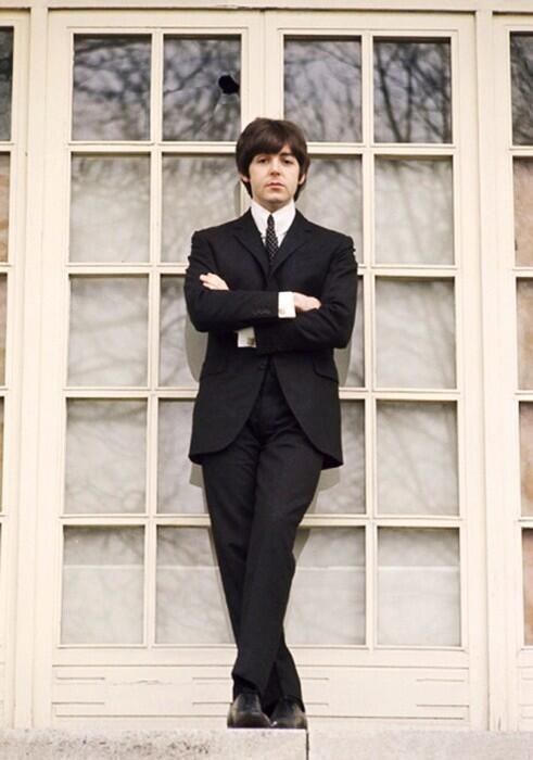 Paul McCartney (gorgeous!)