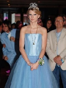 Prom dress vogue taylor
