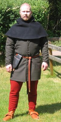 Historical costume and crafts: Cotehardie, 1300 century's second half