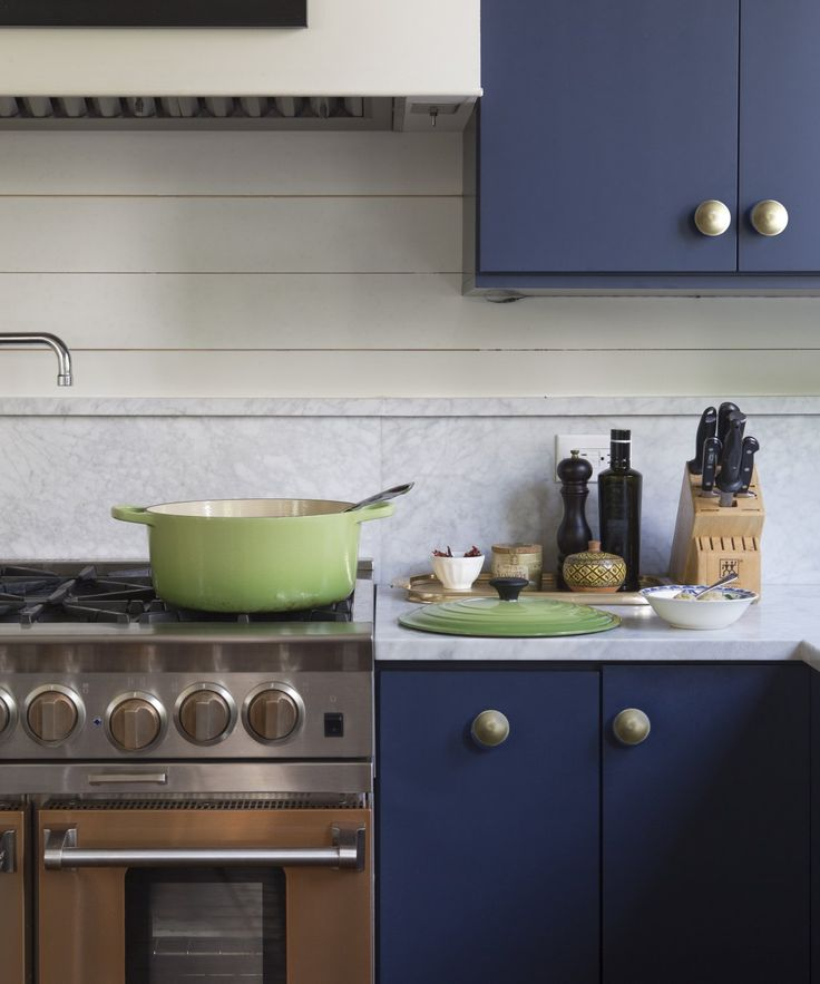 Cabinet Knobs And Pulls Hardware Makeover | A Total Kitchen Makeover  Doesnu0027t Have To