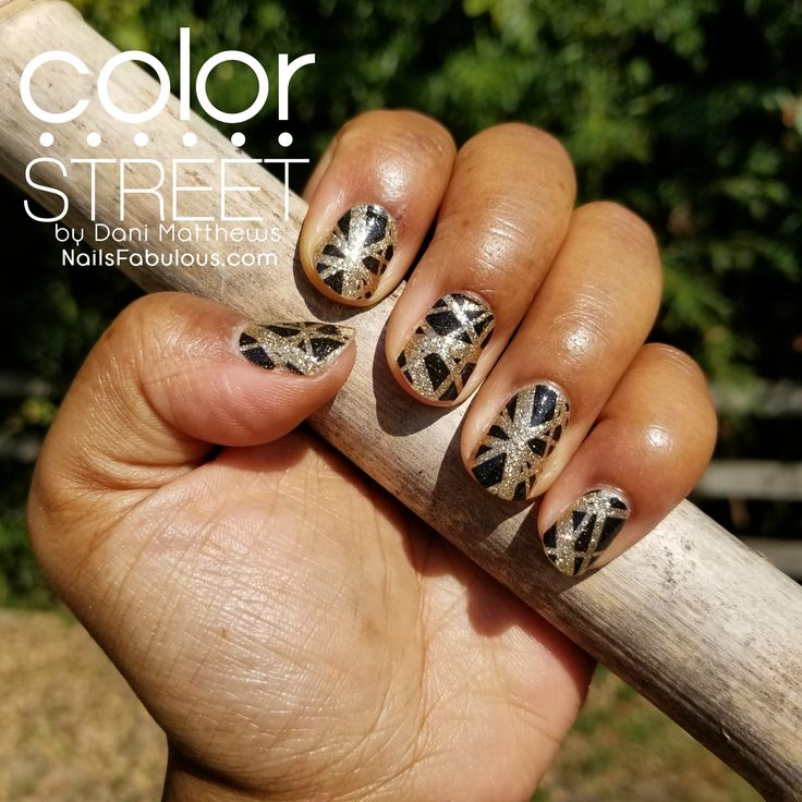 I'm Rockin this Brooklyn Beat by Color Street!  NailsFabulous.com