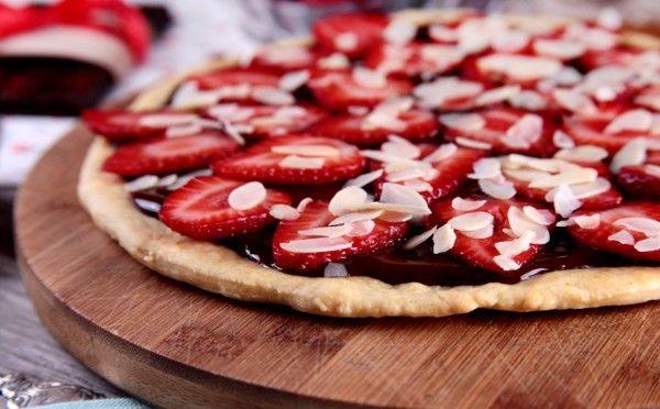Сладкая (десертная) пицца: 10 умопомрачительных рецептов