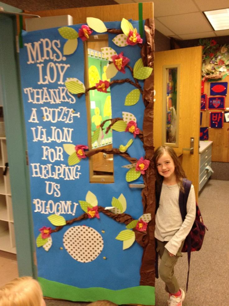 Decorating Classroom Door Beehive