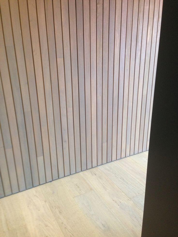 Oak flooring, Pacific teak battens, no skirts
