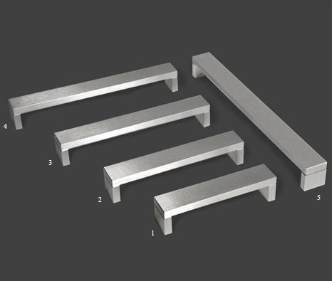 Front door hardware: dull wide square handle - Castella