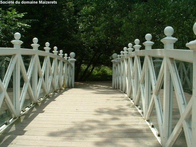 Pont du ruisseau Dumoulin en été