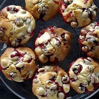 🤶🏻 #muffinki #żurawina #PodNiebienie #cranberrymuffins #cranberry #muffins #christmasiscoming #christmasmuffins #christmas2016 #christmastime #foodporn #foodphotography #foodie #pornfood #polishblogger #kitchen #cooking #wiemcojem #kuchnia #gotowanie