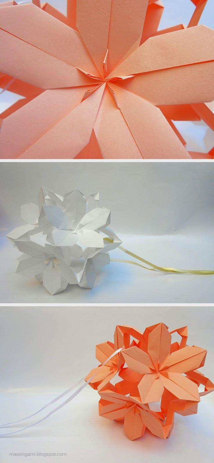 origami - Kusudama Poinsettia - realizado con 30 módulos de papel plegado