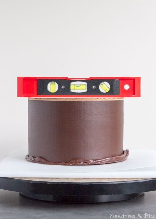 How to Ganache a Cake - Ganaching the Top For Sharp Edges